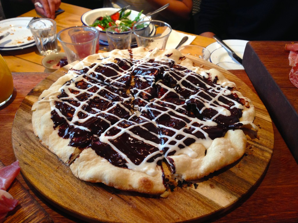 Bunga Bunga - chocolate pizza