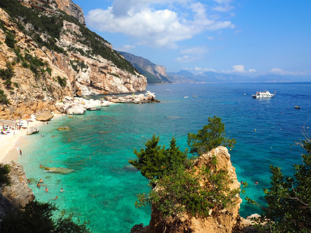 The turquoise waters of Cala Mariolu