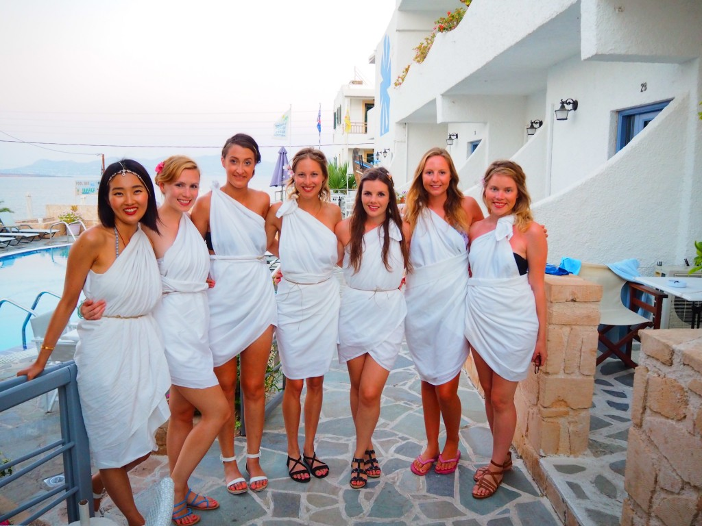Girls - togas