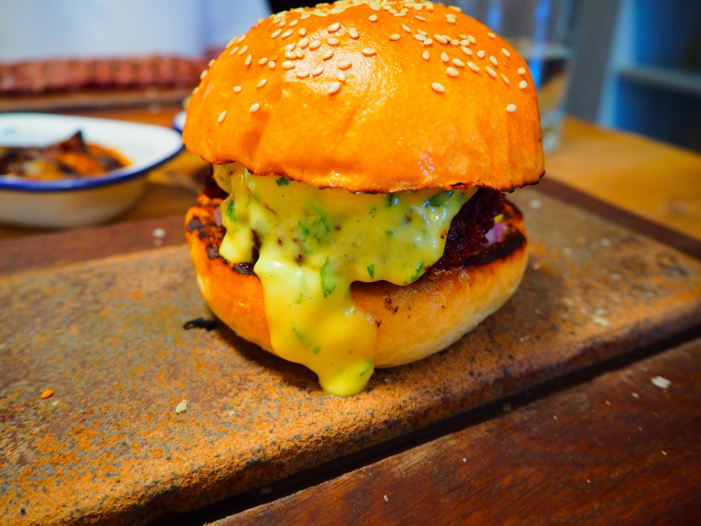 The special burger with béarnaise sauce
